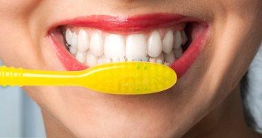 100 مليون صحة تكشف: 3 أسباب وراء رائحة الفم الكريهة