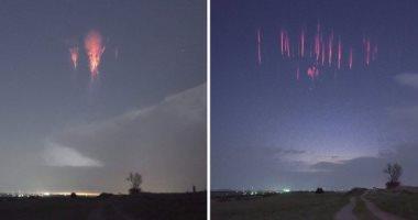 صور.. بقع حمراء مضيئة فى سماء الليل تظهر فجأة وتختفى