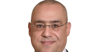 """وزير الإسكان : مشروع تطوير """" الصيادين """" برأس البر يوفر 250 وحدة سكنية"""