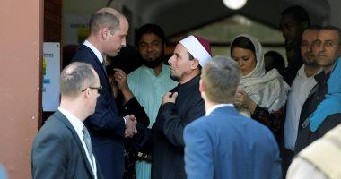 صور.. الأمير وليام يزور مسجد النور بنيوزيلندا ويلتقى ناجين من المذبحة