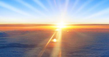 بيشتغل إزاى.. اعرف كيف يحول العلماء ضوء الشمس إلى وقود؟