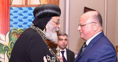 محافظ القاهرة يهنئ البابا بعيد الميلاد: المصريون يقدمون دروسا فى حب الوطن