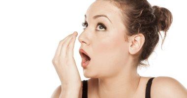 أسباب مرضية وراء رائحة الفم الكريهة ارفعها