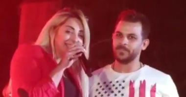 بعد مجاورته على المسرح.. رسالة حب من مى حلمى لزوجها محمد رشاد.. فيديو وصور