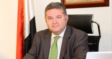 وزير قطاع الأعمال يتفقد اللمسات النهائية لمشروع إضاءة ميدان التحرير