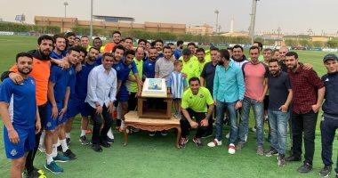 صور.. بيراميدز يحتفل بعيد ميلاد أحمد حسن فى حضور البدرى