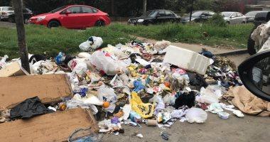 أهالى شارع الخارجة بحى المطرية يطالبون بتوفير صناديق للقمامة