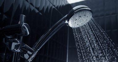 الاستحمام قبل النوم يصيبك بفطريات الشعر وسقوطه.. اعرف السبب