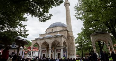 """إعادة افتتاح مسجد """"ألاجا"""" بعد أن دمرته حرب البوسنة"""