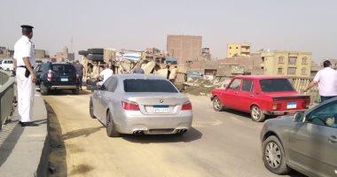 زحام مرورى بسبب حادث انقلاب سيارة نقل أعلى طريق الإسماعيلية الصحراوى