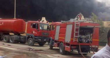 حريق هائل يلتهم سرجة والدفع بـ5سيارات إطفاء للسيطرة على النيران