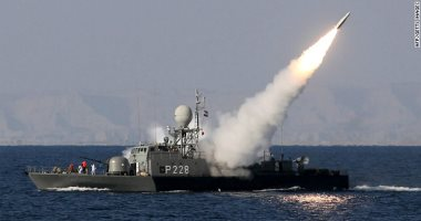 قائد الحرس الثورى: السفن الحربية الأمريكية فى المنطقة تحت سيطرتنا التامة