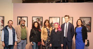 سفارة السويد تفتتح معرض صور عن الأبوة فى مكتبة الأسكندرية