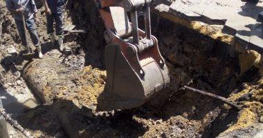 محافظ القاهرة يتفقد أعمال إصلاح كسر ماسورة مياه بالوايلى