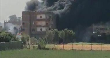 ندب الأدلة الجنائية لمعاينة حريق داخل مخزن تجارى فى دار السلام
