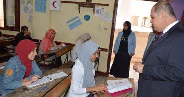 صور .. محافظ الغربية يتابع إنتظام سير إمتحانات الشهادة الإعدادية