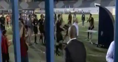 شاهد.. إعتداء جماهير الزمالك على الصباحى حكم مباراة الداخلية