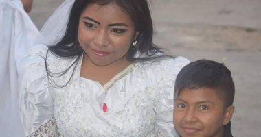 زفاف امرأة بالغة وطفل صغير يثير الجدل فى المكسيك.. اعرف سر القصة