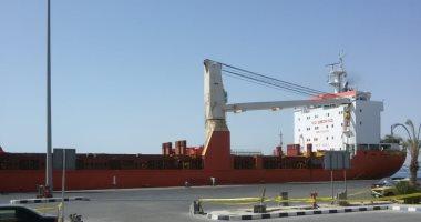 وصول طرود ومهمات بترولية إلى ميناء سفاجا