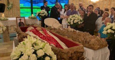 """إليسا فى تشييع جثمان البطريرك نصر الله صفير: """"بخاطرك يا قديس صليلنا"""""""