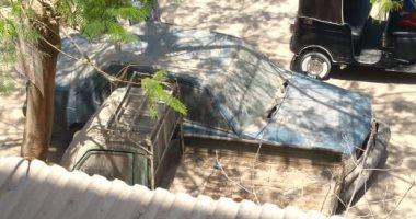 قارئ يرصد سيارتين متروكتين منذ فترة طويلة بمنطقة دار السلام