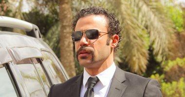 """محمد إمام بعد 10 حلقات من هوجان: """"اللى فات كوم واللى جاى كوم تانى خالص"""""""