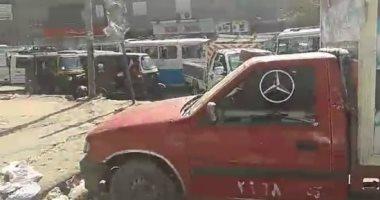 """أهالى شبر الخيمة يشكون زحام الشوارع: اشغالات المقاهى و""""التكاتك"""" السبب"""