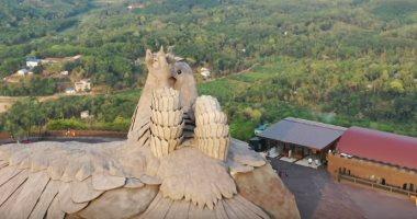 بارتفاع 20 مترا .. تعرف على أكبر تمثال لطائر فى العالم