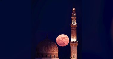10 صور تبرز جمال القمر ومعالم دبى وأبو ظبى فى رمضان