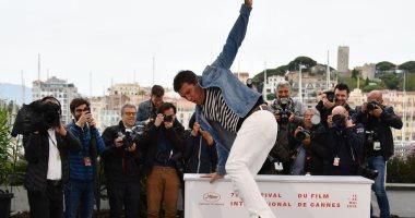 """""""شقاوة"""" أنطونيو بانديراس تجذب عدسات المصورين بمهرجان كان السينمائى الـ72"""