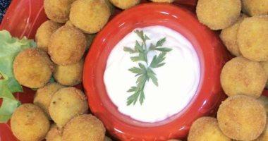 سحورك عربى.. كباب بحرينى وكبة وخبز التنور فى سحور رمضان بالبحرين