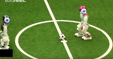شاهد.. مونديال كرة قدم مصغر للروبوتات في الصين