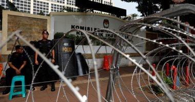 اعتقال 34 شخصا فى إندونيسيا وحجب الإنترنت لكبح الاحتجاجات العنيفة