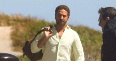 صور.. جيرارد باتلر يصور فيلمه الجديد فى ماليبو