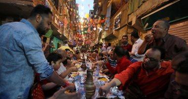 """""""رويترز"""" ترصد الخير الحصرى لمصر.. لمة المطرية على الإفطار تثير إعجاب العالم"""