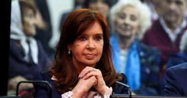 صور.. رئيسة الأرجنتين السابقة تحضر جلسة محاكمتها فى قضايا فساد