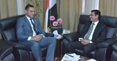 سفارة اليمن: أمين عام الرئاسة المصرية يقدم التهانى بمناسبة العيد الوطنى لليمن