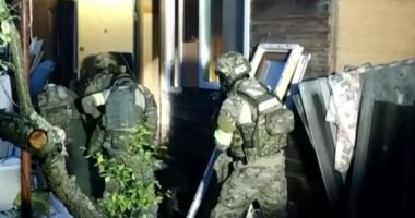 الأمن الروسي يعثر على مستودع أسلحة داخل منزل زعيم جماعة متطرفة