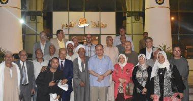 محافظ الفيوم يبدأ سلسلة لقاءات بممثلين عن القرى لحل مشاكل المواطنين