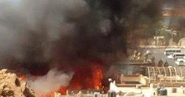 صور.. حريق فى السوق القديم بمدينة شرم الشيخ
