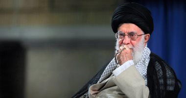 مرشد إيران يتنصل من مسئولية الاتفاق النووى ويلقى الكرة بملعب روحانى