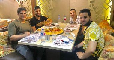 شاهد.. ساسى يتناول إفطاره الأول بالقاهرة عقب عودته لدعم الزمالك