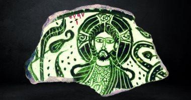 شاهد الفن الإسلامى.. جزء من إناء خزفى يعود للعصر الفاطمى