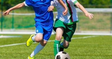 دراسة: لاعبو كرة القدم المحترفين يواجهون مخاطر الوفاة بسبب الإصابات