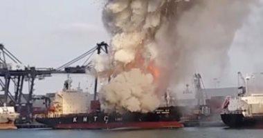 صور.. حريق بناقلة مواد كيميائية فى ميناء تايلاندى وإغلاق 3 أرصفة