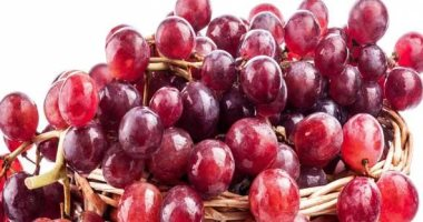 5 reasons why you should eat grapes daily.. the most prominent of which is to lose excess weight
