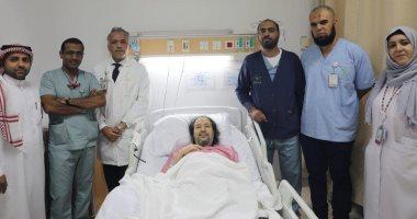 الفنان السعودى خالد سامى يغادر العناية المركزة بعد تعرضه لوعكة صحية.. صور