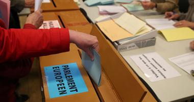 صور.. بدء التصويت فى 6 دول فى انتخابات البرلمان الأوروبى