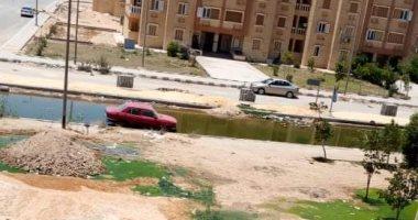انتشار مياه المجارى أمام عبارات صبحى حسين بالعبور