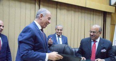 محافظ البحر الأحمر: 13 ألف فرصة عمل و3 مليار جنيه حجم استثمارات المنطقة اللوجستية بالغردقة